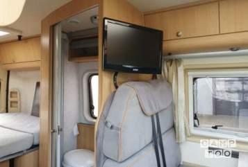 Buscamper Adria Twin buscamper Full options in Tilburg huren van particulier