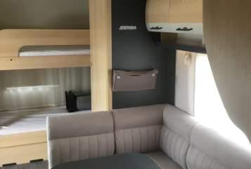 Caravan Hymer Exciting 560 Hymer Family in Laichingen huren van particulier