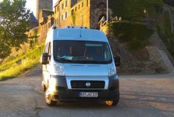 Buscamper Fiat Dukato Zawomo's  2Win in Bottrop huren van particulier