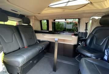 Kampeerbus Mercedes Bernies Camper in Verl huren van particulier