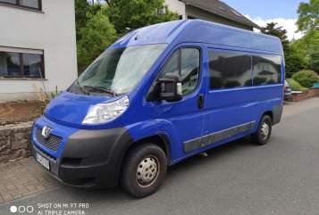 Buscamper Peugeot Schlumpfine in Bonn huren van particulier