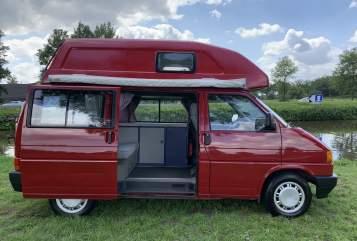 Buscamper Volkswagen Barry in Lierop huren van particulier