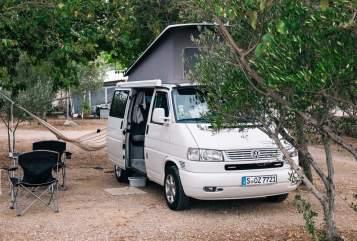 Kampeerbus Volkswagen Urban California  in Metzingen huren van particulier