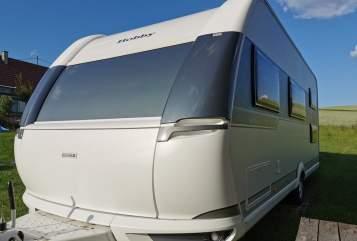 Caravan Hobby Hobby 545 KMF in Fichtenau huren van particulier