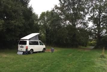Kampeerbus Volkswagen JAAMper in Leonberg huren van particulier