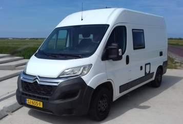 Buscamper Clever Possl Texel Camper in De Waal huren van particulier