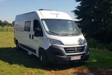 Buscamper Clever Limited 600 Pfelix in Marl huren van particulier