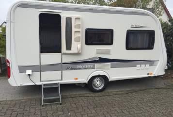 Caravan Hobby DeLuxe mitMover in Norderstedt huren van particulier