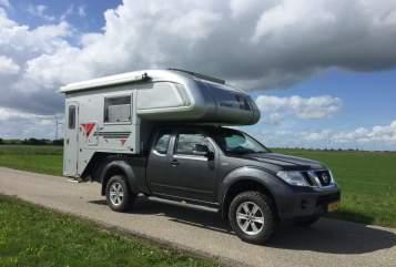 Alkoof Nissan  4WD camper in Zeewolde huren van particulier