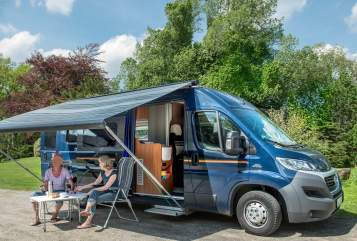 Buscamper Globecar Auerbus in Maasbüll huren van particulier