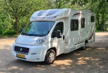 Halfintegraal Home Car Home Traveller in Teteringen huren van particulier