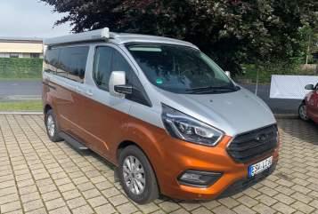 Kampeerbus Ford  Goldklümpchen  in Eschwege huren van particulier