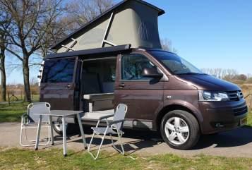 Kampeerbus Volkswagen T5 Generation in Cuijk huren van particulier
