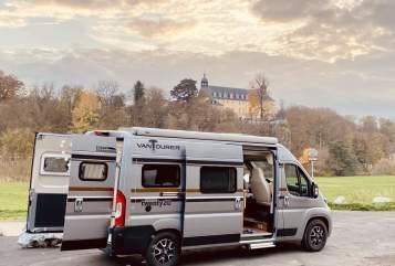 Buscamper Vantourer  JADEcamper.de in Elz huren van particulier