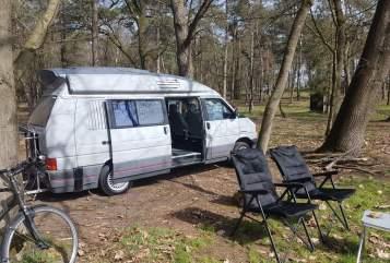 Buscamper Volkswagen T4 Zoef 2.0 in Voorburg huren van particulier