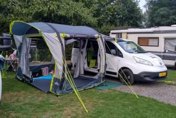 Buscamper Nissan Electric camper in Beek huren van particulier