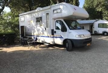 Alkoof Burstner Camper 6 P in Hilversum huren van particulier