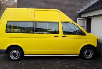 Kampeerbus Volkswagen  T5 Transporter in Apeldoorn huren van particulier