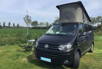 Kampeerbus Volkswagen  Black Beauty in Dortmund huren van particulier