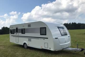 Caravan Adria Adria Adora in Oelsnitz/Vogtl. huren van particulier