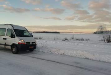 Kampeerbus Renault Wintercamper A. in Amsterdam huren van particulier