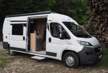 Buscamper RoadCar RoadRunner in Seeon-Seebruck huren van particulier