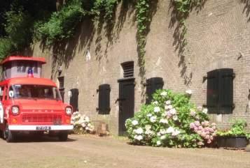 Buscamper Ford Transit Mk1 Brandweerwagen in Bussum huren van particulier