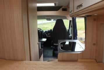 Buscamper Pössl Herr Roadcar in Mössingen huren van particulier