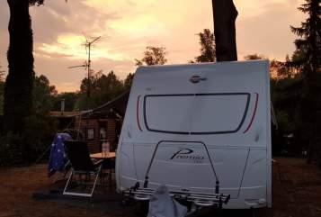 Caravan Bürstner Neuer Familiencamper mit 7 Schlafplätzen besonders für große Leute in Oldenburg huren van particulier