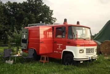 Buscamper Mercedes-Benz Egon in Berlin huren van particulier