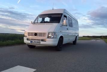 Buscamper Volkswagen LT 35 Sprinter 2,5 TDI Wohnmobil Motorradtransporter Heckgarage in Unterwellenborn huren van particulier