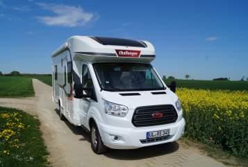 Halfintegraal Challenger Familycamper in Ehingen (Donau) huren van particulier