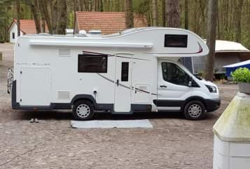Alkoof Ford Transit  Familien Womo  in Soest huren van particulier