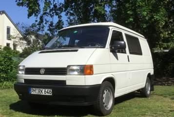 Kampeerbus VW T4 California Behagen Camper 992 in Kleinmachnow huren van particulier