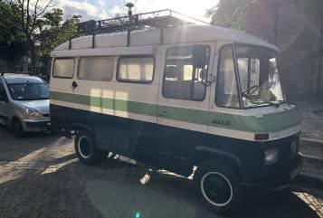 Halfintegraal Mercedes Benz CamperFest #2 in Amsterdam huren van particulier