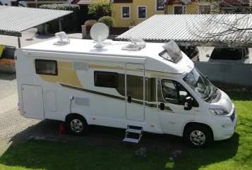 Halfintegraal Carado  Moritzmobil  in Wals-Siezenheim huren van particulier