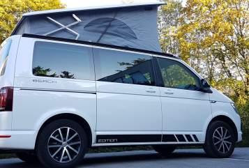 Kampeerbus VW T6 California Beach Kids-Bulli NEU! in Vaterstetten huren van particulier