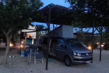 Kampeerbus VW T6 California Coast Coco in München huren van particulier