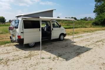 Kampeerbus Volkswagen Teun in Zoeterwoude huren van particulier