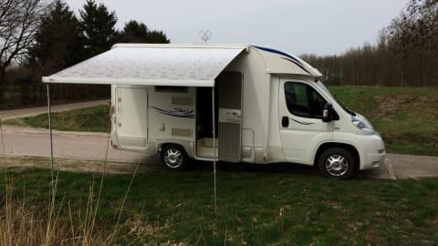 Halfintegraal Rimor Blu-Camp   Sky 11 Rimor in Breda huren van particulier