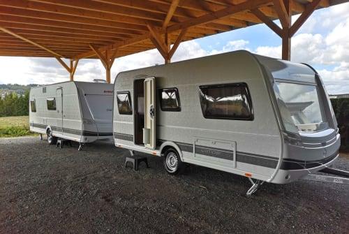 Caravan Dethleffs Camper 460 EL in Untersteinach huren van particulier