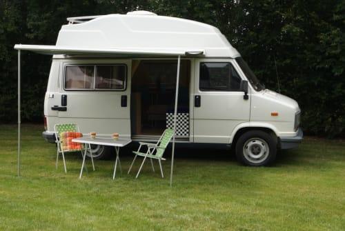 Kampeerbus Peugeot Bussi in Westerholz huren van particulier