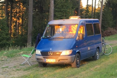Kampeerbus Mercedes Benz Blue Lion in Braunschweig huren van particulier