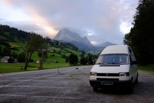 Kampeerbus VW Hotel T4 in Freising huren van particulier