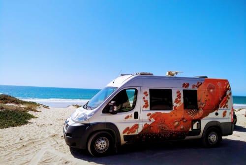 Buscamper Peugeot Lionfish in Lissabon huren van particulier