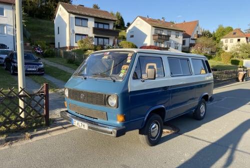 Kampeerbus Volkswagen Blauer Emil in Bayreuth huren van particulier