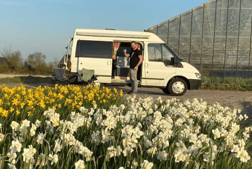 Buscamper Ford Bussie in Voorschoten huren van particulier