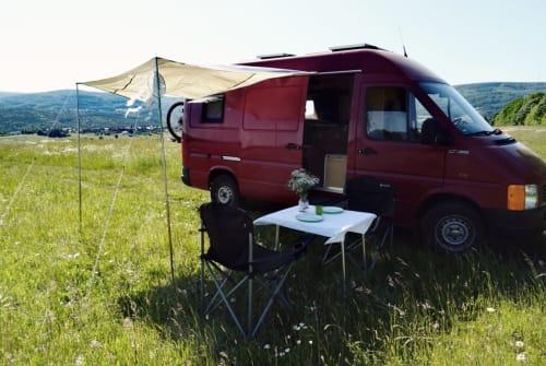 Buscamper VW  Mr. Barney in Burkardroth huren van particulier