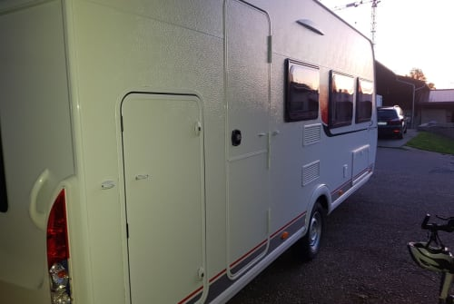 Caravan Bürstner Bürste 2.0 in Sinsheim huren van particulier