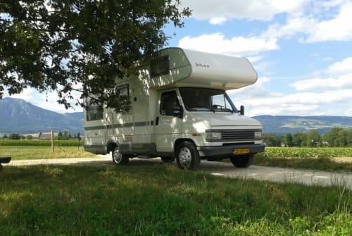 Alkoof Peugeot Giddy up go in Gorinchem huren van particulier